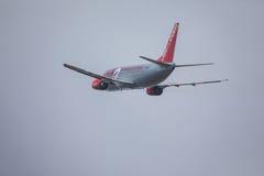FARO, PORTUGAL - Juny 24, 2017 : départ d'avion des vols jet2 à l'aéroport international de Faro Photo stock
