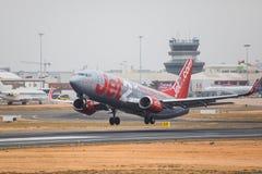 FARO PORTUGALIA, Juny, - 24, 2017: Jet2 lotów samolotu departur Zdjęcie Royalty Free