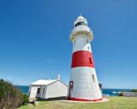 Faro principal bajo histórico en Tasmania, Australia imágenes de archivo libres de regalías
