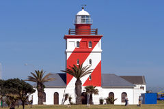 Faro rayado rojo y blanco Fotografía de archivo