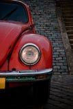 Faro rosso della parte anteriore dello scarabeo Fotografie Stock Libere da Diritti