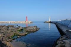Faro rosso e bianco a Busan Corea del Sud immagini stock