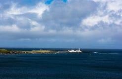 Faro su Valentia Island in Irlanda fotografie stock libere da diritti