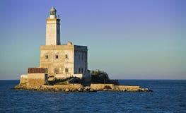 Faro sull'isola Fotografie Stock Libere da Diritti