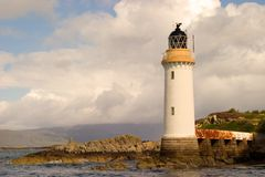 Faro y embarcadero en Eilean Bàn Fotografía de archivo libre de regalías
