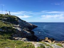 Farol, costa, oceano na cabeça de Chebucto, Halifax, Nova Scotia, Canadá fotografia de stock royalty free
