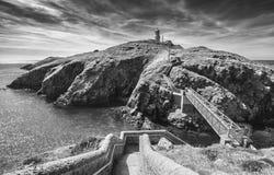 Farol da cabe?a de Strumble em Pembrokeshire, Reino Unido fotos de stock royalty free