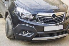 Farol da parte dianteira de Opel Mokka fotos de stock royalty free