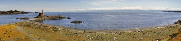 Farol de Fisgard e paisagem de Juan De Fuca Strait Wide Panoramic fotos de stock