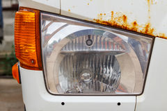 Farol de um close up velho do caminhão Front View Fotos de Stock Royalty Free