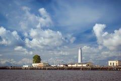Farol e navios ancorados em Kronstadt Imagem de Stock