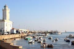 Farol e porto de Manfredonia, Itália fotos de stock