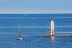 Farol e veleiros da salsicha tipo frankfurter Imagens de Stock