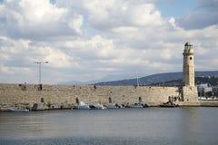 Farol em Rethymno, Grécia em um dia ensolarado Fotografia de Stock Royalty Free