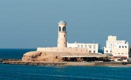 Farol em Sur em Omã. foto de stock