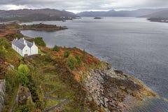 Farol histórico na ilha de Skye, Escócia, Reino Unido fotografia de stock royalty free