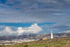 Farol na costa mediterrânea, Paphos, Chipre imagem de stock
