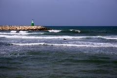 Farol na praia fotografia de stock royalty free