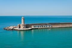 Farol no porto de Livorno Itália fotografia de stock