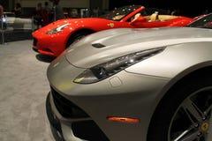 Farol novo do carro de esportes da opinião lateral do detalhe Imagem de Stock