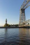 Farol & ponte internos do canal de Duluth foto de stock