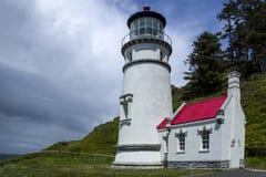 Farol principal de Heceta na costa de Oregon imagens de stock