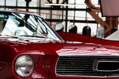 Farol retro vermelho do carro Imagens de Stock Royalty Free