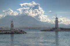 Faros en el puerto de Alanya Fotos de archivo libres de regalías