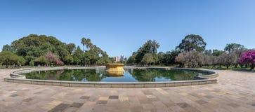 Farroupilha公园或Redencao公园喷泉阿雷格里港,南里奥格兰德州,巴西全景  免版税库存照片
