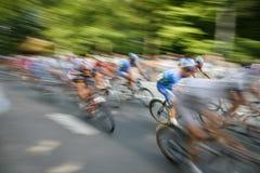 fartfyllda cyklister Fotografering för Bildbyråer