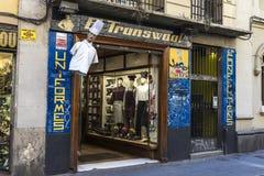 Fartuchy sklepy i kuchenni mundury, Barcelona fotografia stock