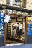 Fartuchy sklepy i kuchenni mundury, Barcelona zdjęcie stock