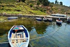 Fartyg av Titicaca sjön Arkivbild