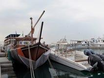 Fartyg för att fiska & fartyg för nöje Arkivfoton