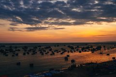 Fartyg för att fiska på havet i Vietnam Fotografering för Bildbyråer