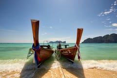 Fartyg för lång svans på Koh Phi Phi Thailand Royaltyfri Fotografi