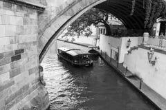 Fartyg för Praha stadskanal Royaltyfria Foton