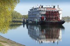 Fartyg för skovelhjul Royaltyfria Bilder