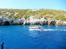 Fartyg för Zakynthos blåttgrottor Royaltyfri Fotografi