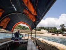 Fartyg från Zanzibar som fängslar ön Arkivfoton