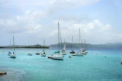 Fartyg i ön av St John Royaltyfri Fotografi