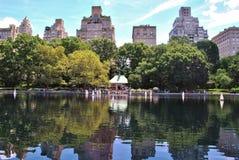 Fartyg i Central Park Arkivbilder