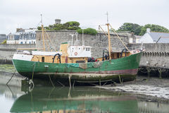 Fartyg i Concarneau Arkivfoto