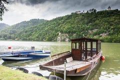 Fartyg i Danube River Royaltyfri Foto