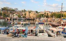 Fartyg i den Antalya hamnen, Turkiet Royaltyfri Fotografi