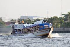 Fartyg i den bangkok staden Royaltyfria Bilder