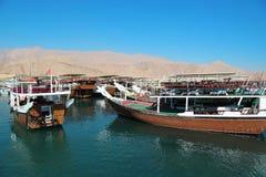 Fartyg i den Dibba al-Bayahamnen, sultanat av Oman arkivfoton