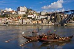 Fartyg i den Douro floden Arkivbilder
