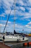 Fartyg i den Jastrzebia Gora hamnen Arkivfoto