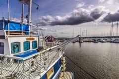 Fartyg i den Sigtuna hamnen, Sverige Royaltyfri Fotografi